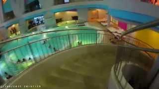 Аквапарк Мореон. Москва.(Аквапарк Мореон оказался не таким крутым внутри, если сравнивать его с Ква-Ква парком. По общей крутости..., 2015-06-23T21:20:56.000Z)