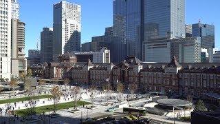 完成した東京駅丸の内駅前広場