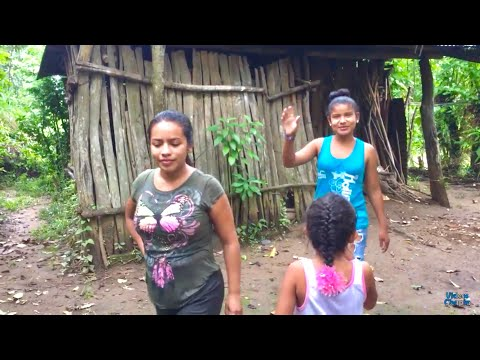 QUIEN VIVE EN ESTA CASITA A LA ORILLA DEL RIO | Terminando de lavar 2/2