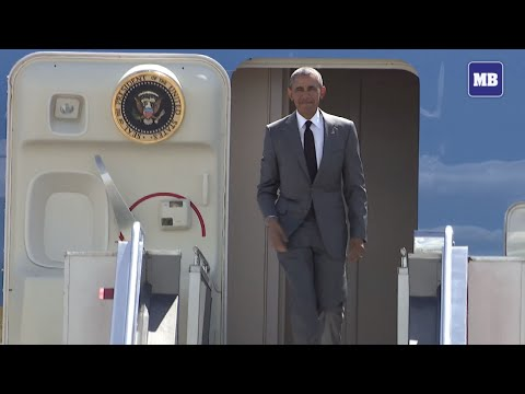 US President Barack Obama lands in Manila for APEC 2015