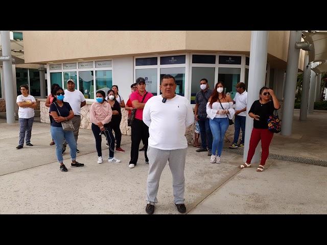 Venezolanonan protestando dilanti oficina di Albatros 2
