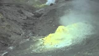 Фумаролы вулкана Менделеева   Кунашир сентябрь 2012