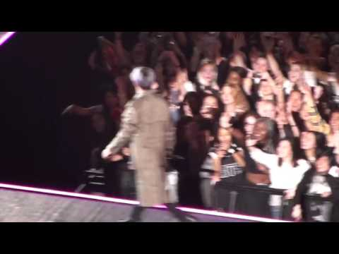 "KCON Paris - FT Island (FT아일랜드) - ""Falling Star"" live by Franc C"