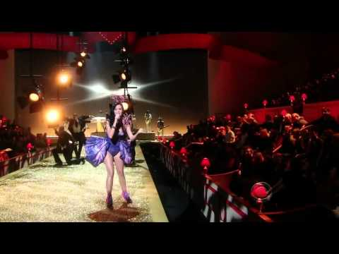 Katy PerryFireworkBest Performance Victoria's Secret Fashion Show 2010)