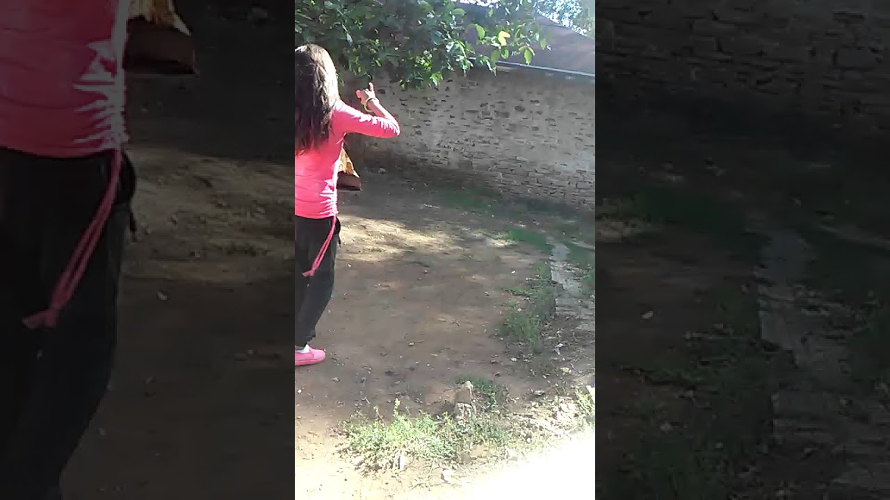 (VIDEO) - Момиче играе много яко!