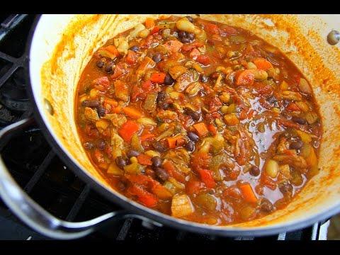Ultimate Chicken Chili - Super-Bowl Food | CaribbeanPot.com