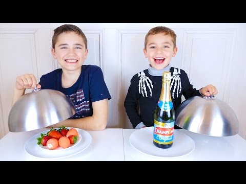 REAL FOOD VS GUMMY FOOD CHALLENGE - Vraie Nourriture ou Bonbons ?