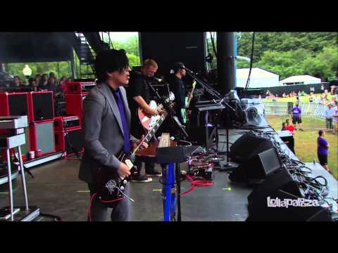 Queens of the Stone Age - Lollapalooza 2013 Chicago (Full Concert)