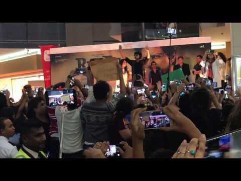 Shahrukh Khan entry in Arabian Center Dubai 2017