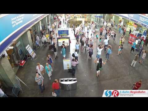 S-Bahn Steiermark: FLIEGERLIED Flashmob am Grazer Hauptbahnhof