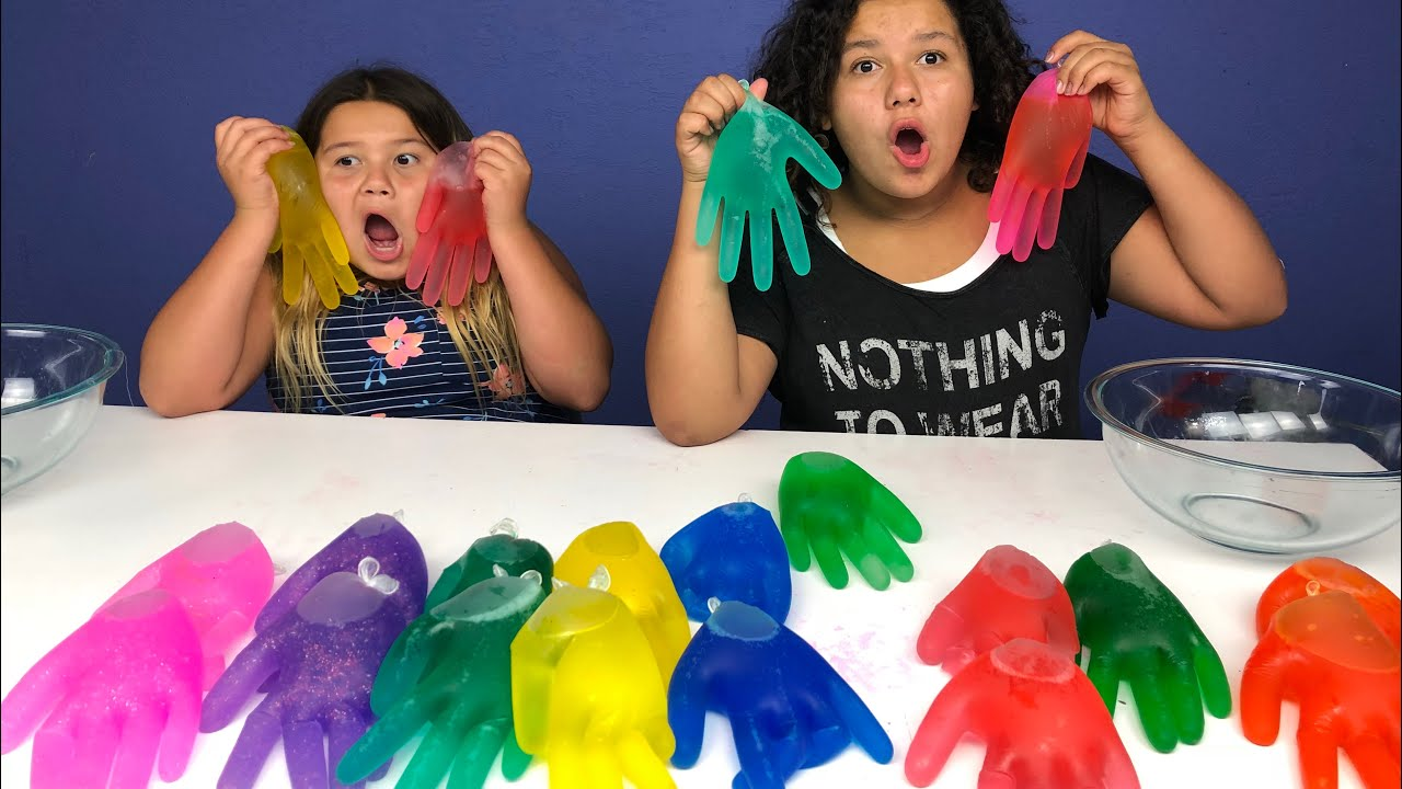 Slime Mary Izzy: 3 COLORS OF GLUE SLIME GLOVES CHALLENGE!