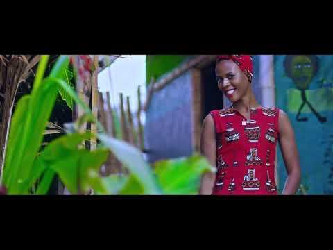 SOKO - Check B Magic (Official Video)