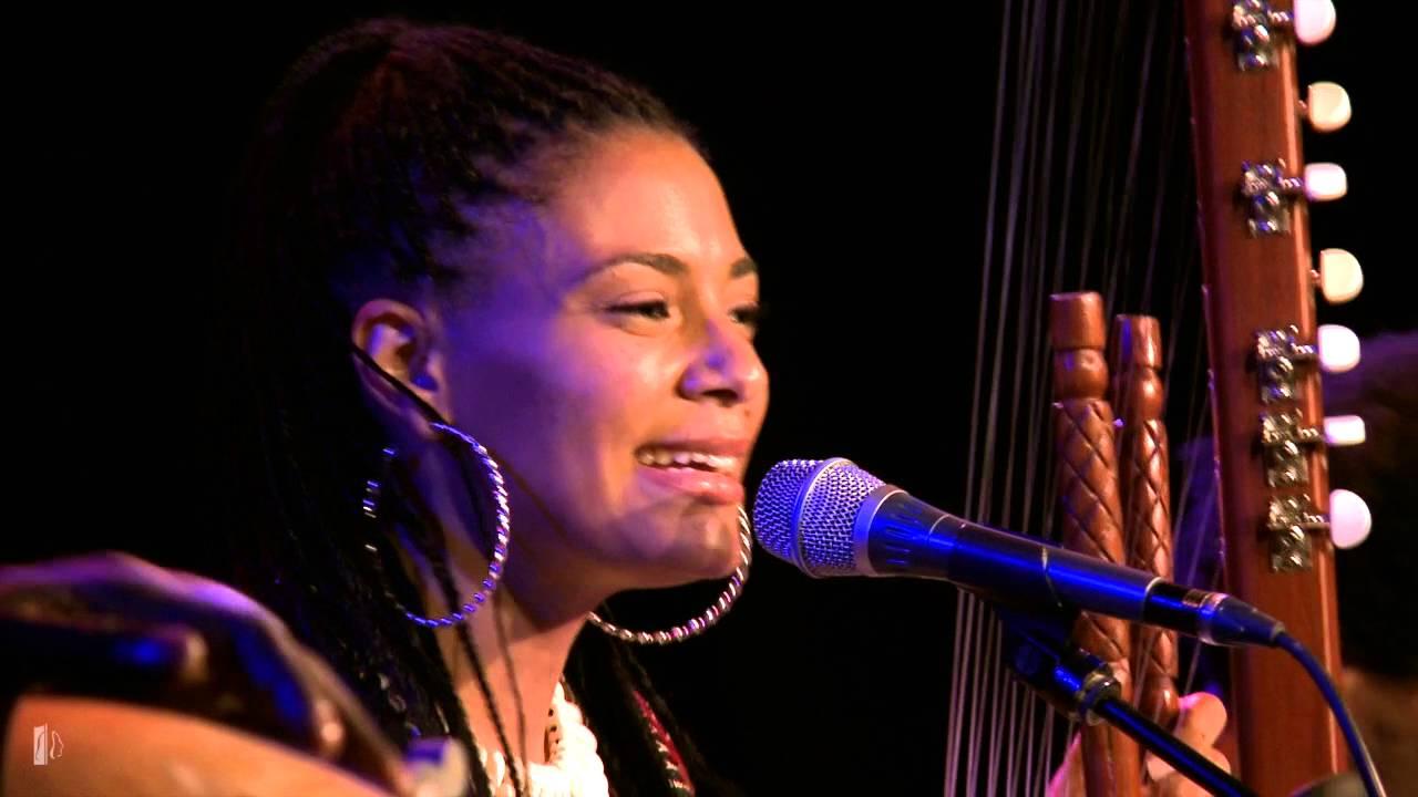Resultado de imagen de Sona Jobarteh & Band - Kora Music from West Africa