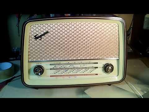 Antigua radio Ferguson mod 382 U