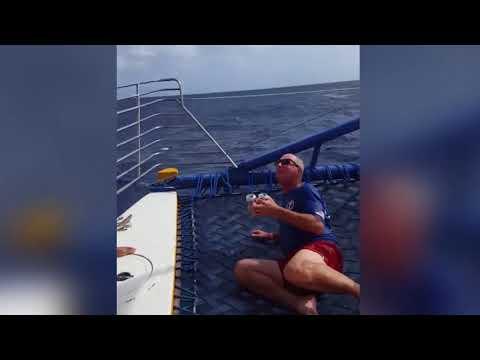 #16 Men VS Boats