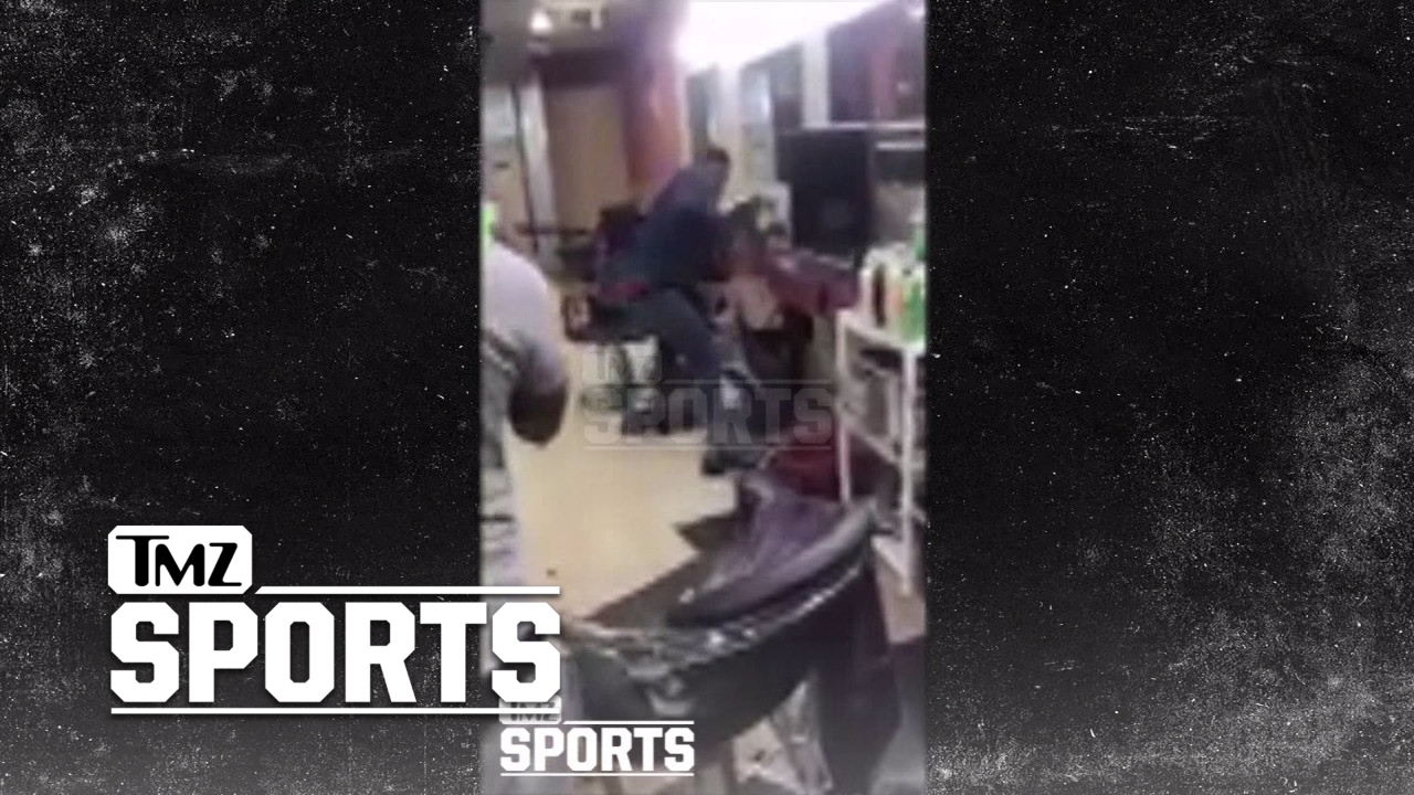 Boxer Yusaf Mack Beats Down Twitter Troll In Barber Shop After Gay Attacks!