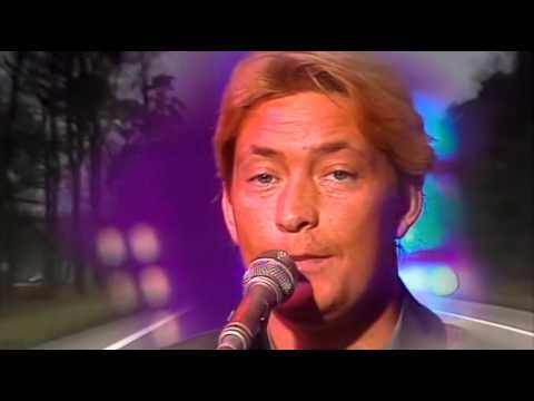 Chris Rea - Driving home for christmas (widescreen)