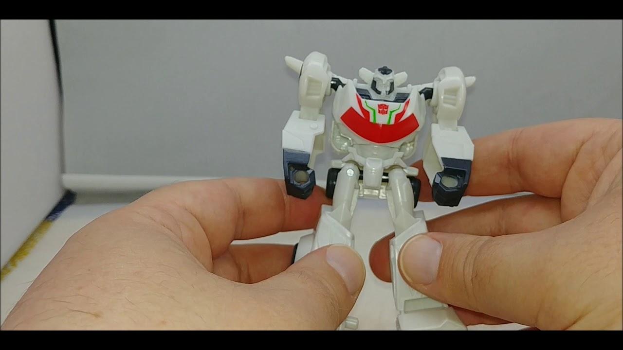Chuck's Reviews Transformers Cyberverse Scout Class Wheeljack