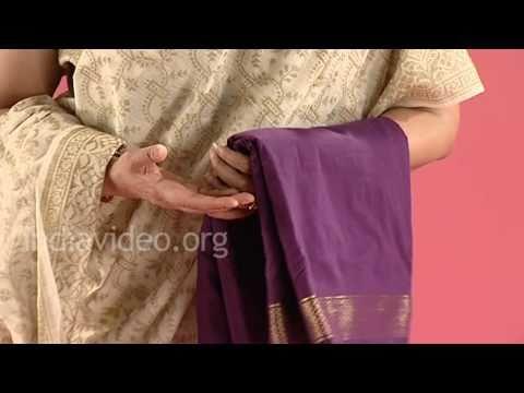 Nauvari Saree, Marwadi women, Maharashtra, India