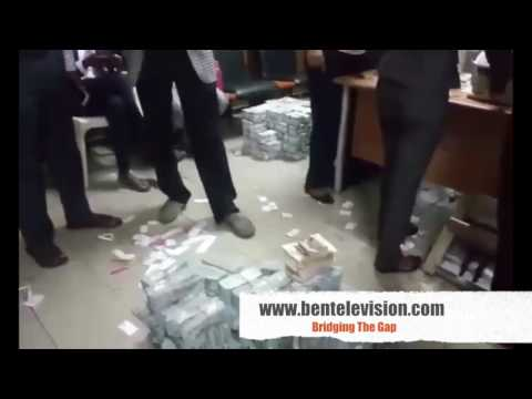 EFCC Found Money In Lagos  Nigeria Apartment