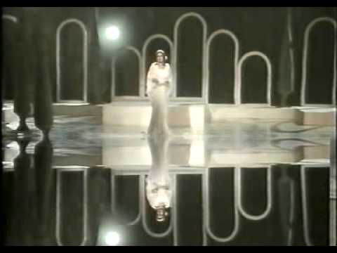 Noor Jahan Best Live Ghazal (raat pheli hi)