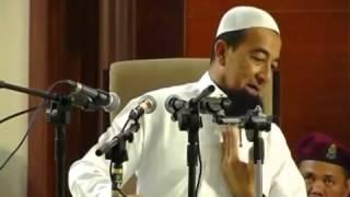 (Ustaz Azhar Idrus) - Cara Memberi Salam Di Tahiyat Akhir ((LAWAK GILER))