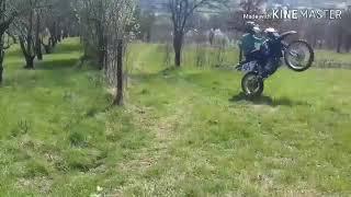 Yamaha DT125R Slow Wheelie!/ +Crashed