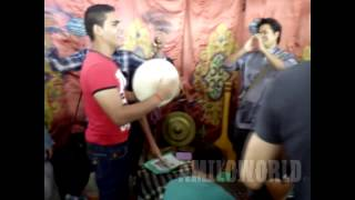AWESOME !! Egyptian playing Malaysian traditional music instrument.