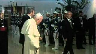 Fidel Castro meets Pope John Paul II for historic talks