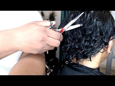hair-cut-on-medium-length-hair