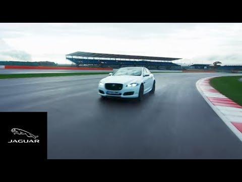 Jaguar XJ-R9 LM, a 400 km/h las luces solo servían para iluminar las referencias en Le Mans