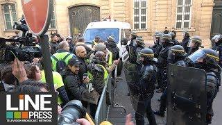 Gilets jaunes Acte 1- La colère jusqu'aux portes de l'Élysée / Paris - France 17 novembre 2018