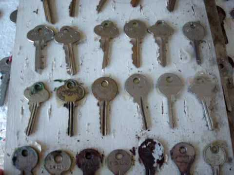 Coleccion de llaves antiguas youtube for Llaves para lavabo antiguas
