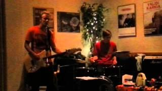 Pelkkä Väliviiva- Valomerkki (Dingo cover)