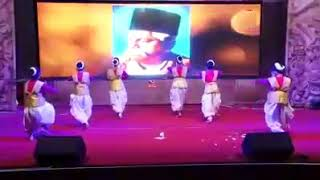 Rss song by vedio in a school
