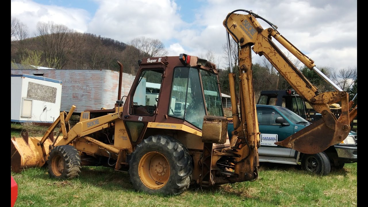 1981 Case 580 E, Four Wheel-drive Backhoe with Front Loader