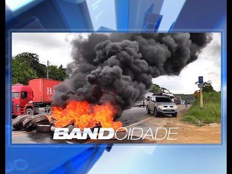 Caminhoneiros fecham rodovia BR-174 em protesto contra impostos