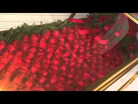 Traditions - The Garland of Roses