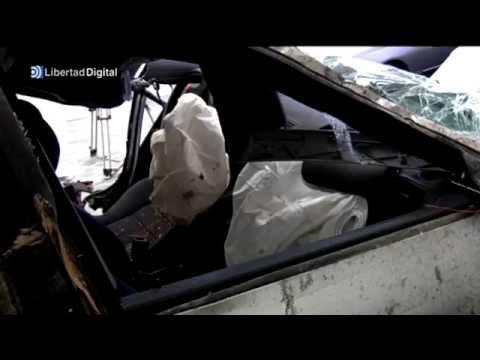 Así quedó el coche de Álex Angulo tras el accidente