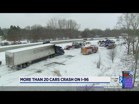 Minor injuries in pileup on I-96 east of GR