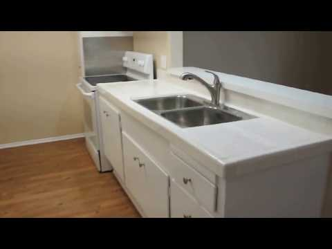 PL7294 - Beautifully Remodeled Bright Top Floor STUDIO For Lease!