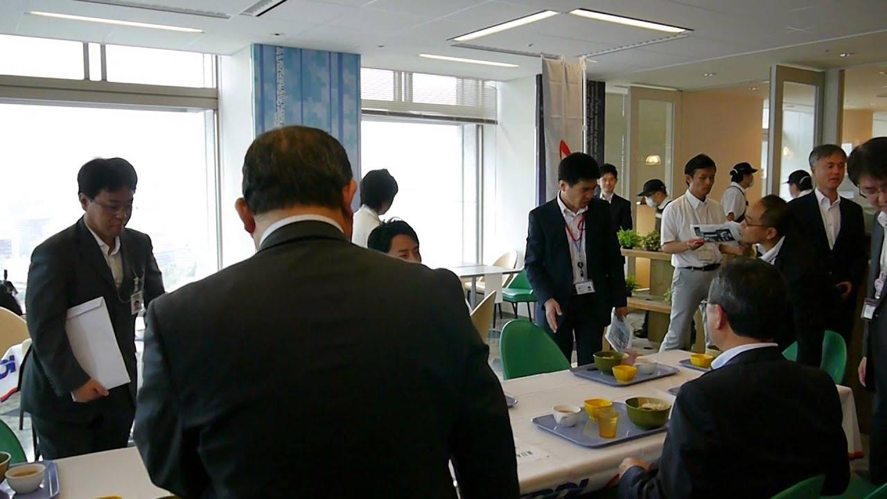 BUZ ZAP 小泉進次郎氏登場で沸きに沸いたKDDI社員食堂 - YouTube