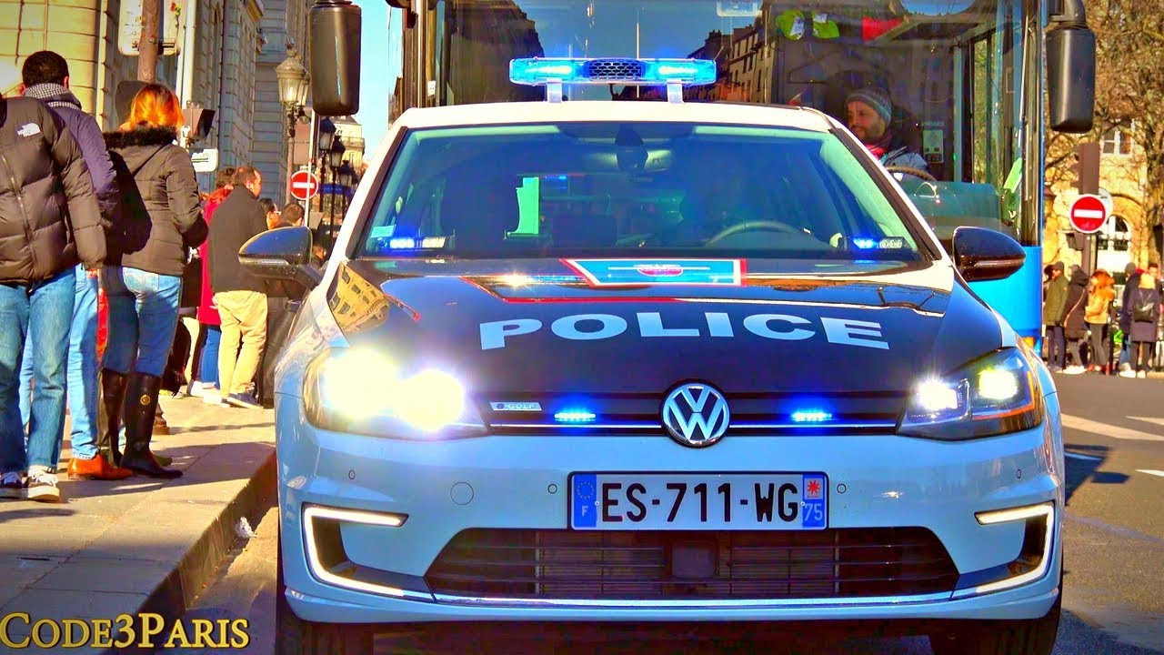 nouvelle voiture de police electrique dans paris vw e golf new police car youtube. Black Bedroom Furniture Sets. Home Design Ideas