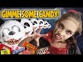 GIMME SOME CANDY!!! Halloween CANDY HAUL! Trick or Treat Vlog!