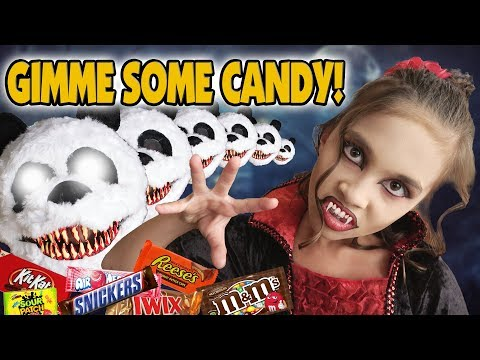 GIMME SOME CANDY Halloween CANDY HAUL Trick or Treat Vlog