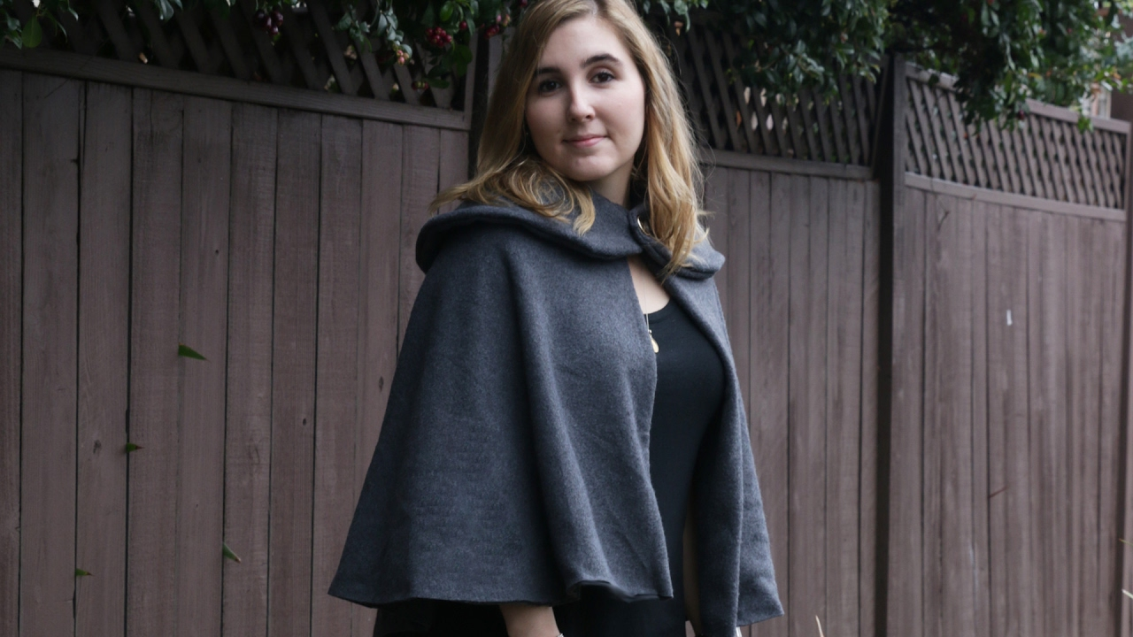 Dating photos from clothes collared cape
