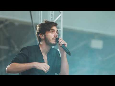 Dánielfy Gergő és az Utazók - Elmegyek, elmegyek (koncertfelvétel) videó letöltés