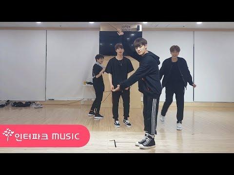 유앤비 UNB #UNBideo - 유앤비 쉬는 시간 (Feat. 댄스배틀) UNB's dance battle during their break time