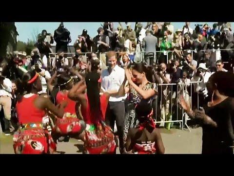 Harry e Meghan Markle chegam à África do Sul a dançar
