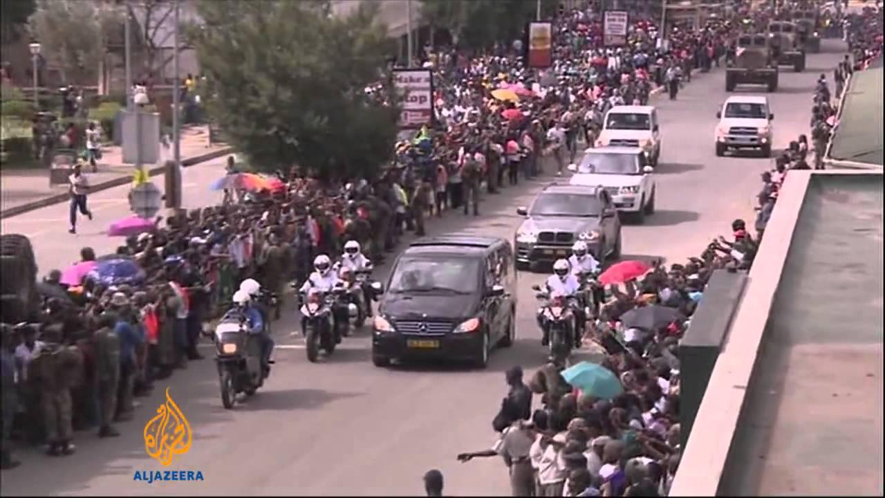 Nelson Mandela's body arrives in home village